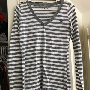 Gray and white striped vneck tee